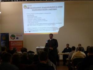 Debreceni Péter fő-erdőfelügyelő a tanyagondnokok között